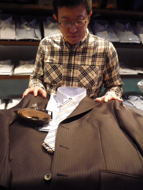 シャツはこれで、ネクタイはこれ