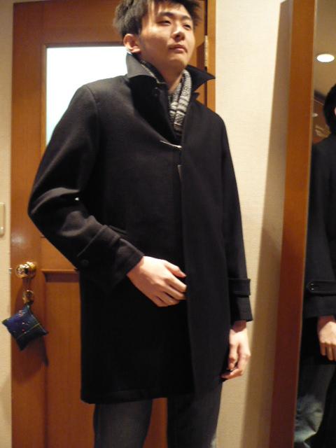 息子にコートを・・・